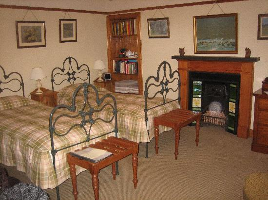 2 Quail Guest House : Bedroom
