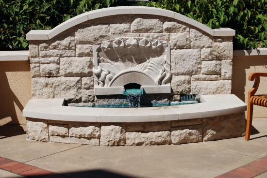 Eugene, OR: Fountain at the King Estate Winery