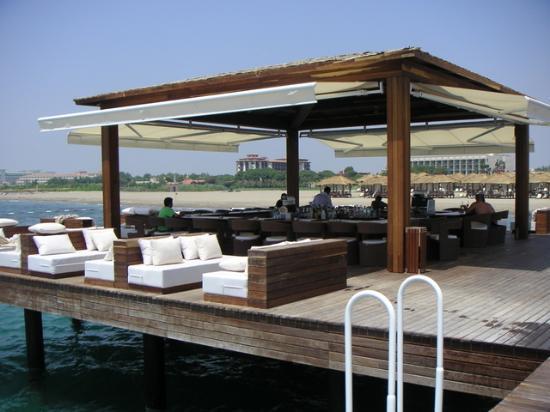 Gloria Serenity Resort: Pier bar