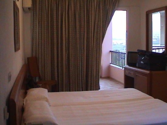 El Puerto Hotel Apartments: La stanza