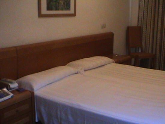 El Puerto Hotel Apartments: Il letto