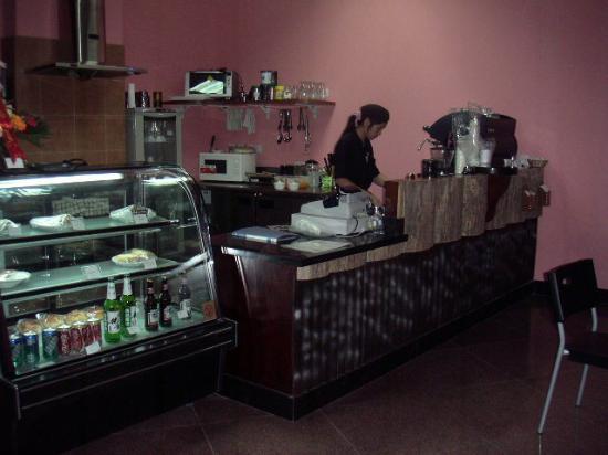 Jin Jiang Pine City Hotel: Coffee shop