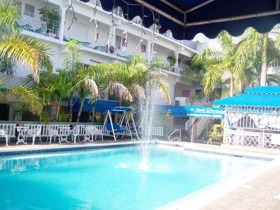 Hotel Gloriana & Spa : HOtel Gloriana pool