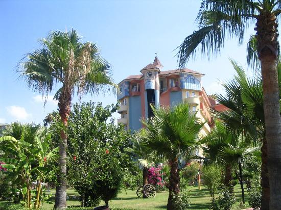 Saphir Hotel: the garden