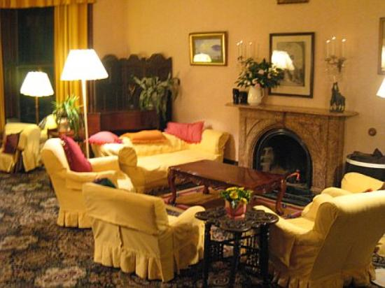 Currarevagh House: The Lounge