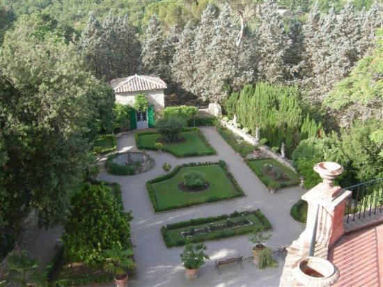 Villa Le Mura: The italian garden