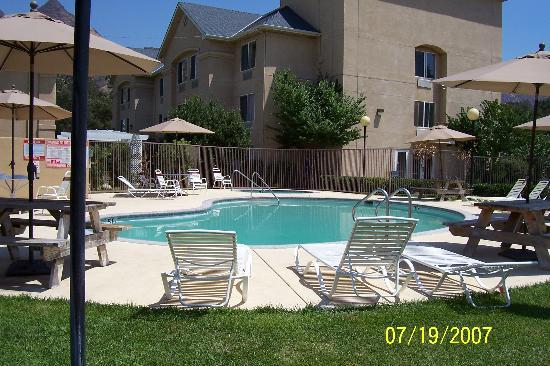 pool hot tub area picture of comfort inn suites. Black Bedroom Furniture Sets. Home Design Ideas