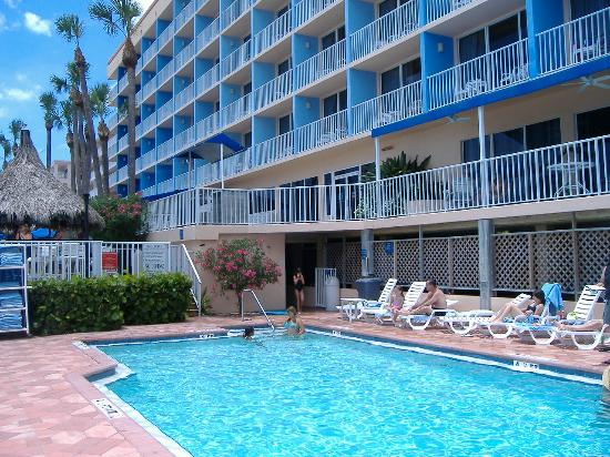 Doubletree Beach Resort By Hilton Tampa Bay North Redington The Pool