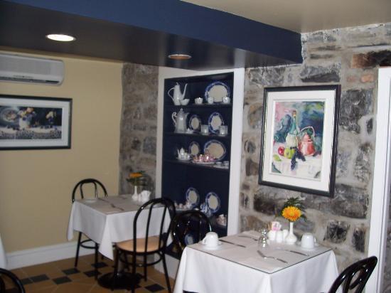 Hotel Le Clos St-Louis: Breakfast room