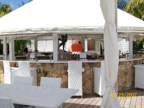 Hotel Emeraude Plage: Pool Bar/Restaurant