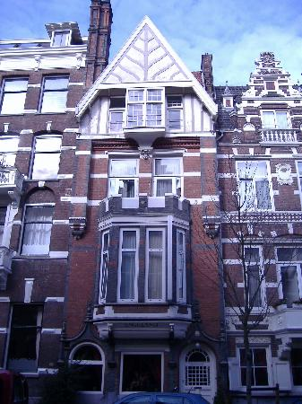 front of hotel picture of quentin england hotel amsterdam tripadvisor. Black Bedroom Furniture Sets. Home Design Ideas