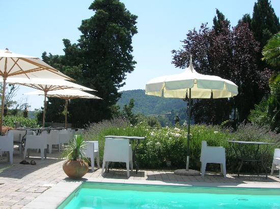 Villa Sassolini Luxury Boutique Hotel: The pool area