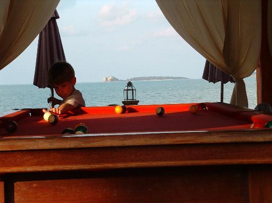 Zazen Boutique Resort & Spa: Billiard almost on the beach