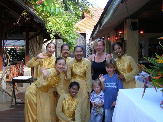 Zazen Boutique Resort & Spa: Happy staff with us