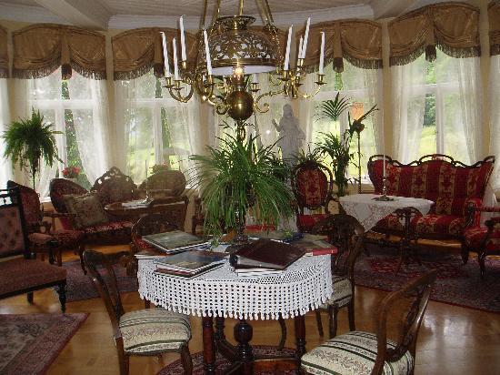 Hotel Union Oye: The piano room