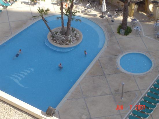 Hotel Levante Club & Spa: pool at evening
