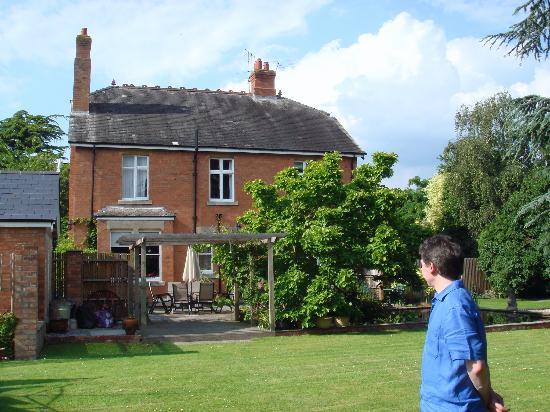 Treherne House & The Malvern Retreat: Back garden