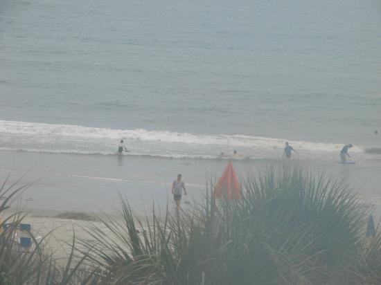 Tropical Seas Hotel : view from my balcony. I had a side balcony