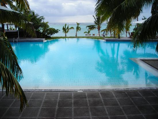 LUX* Le Morne: The pool