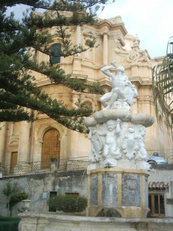 Noto, Fontana D'Ercole