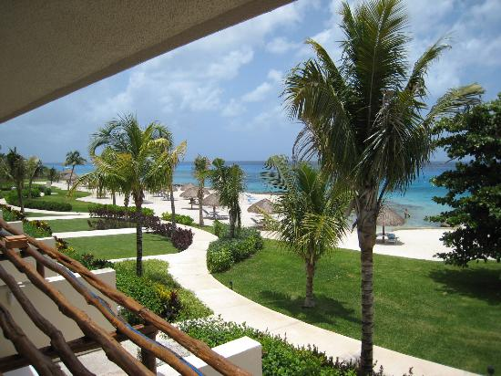 Presidente Inter-Continental Cozumel Resort & Spa: South View from Room 5204