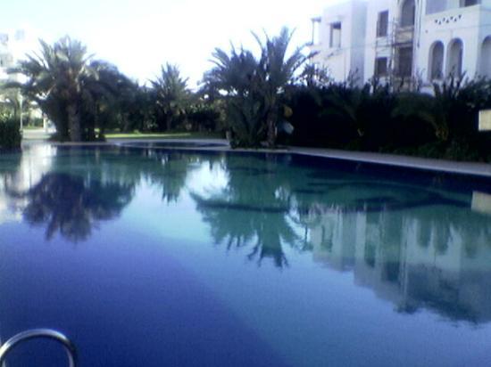 Residence le Corail : piscine