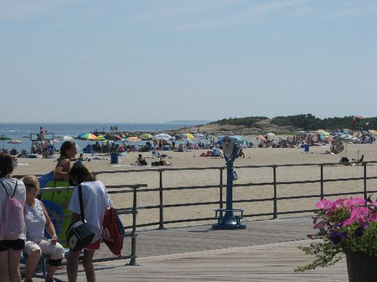 New London, CT: view from the boardwalk