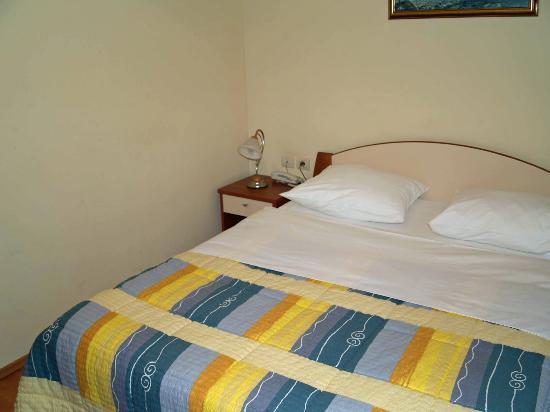 Hotel Adria: Bedroom
