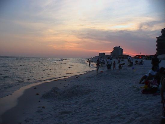 Embarc Sandestin: oceanside sunset