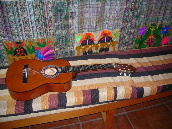 Lomas de Tzununa: Thierry plays the guitar for you