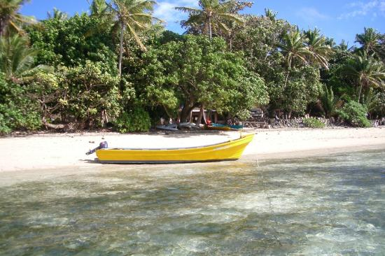 Safari Island Lodge: Front beach