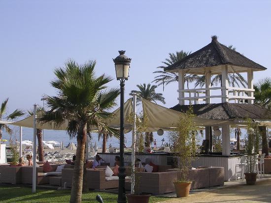 Alanda Hotel Marbella: beach club del hotel puente romano