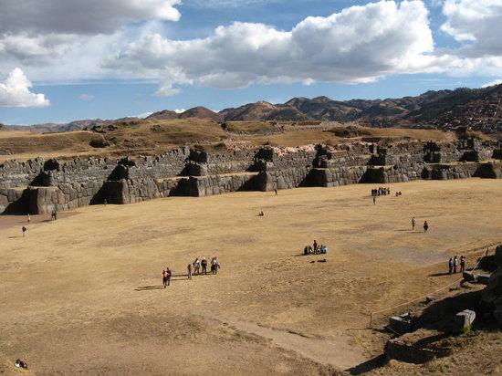 كوزكو, بيرو: SACSAHUAMAN
