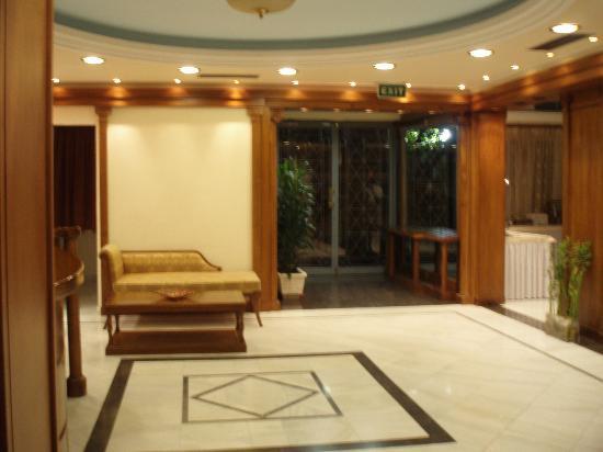 AVA Hotel Athens: Lobby of the Ava