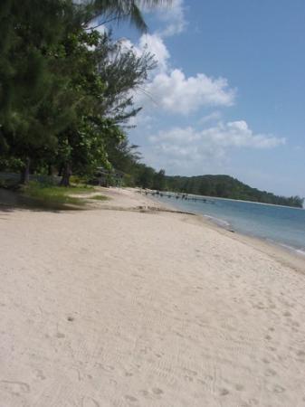 Guanaja, Honduras: Bo's beach