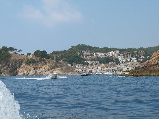 GHT Hotel Neptuno: Tossa from the sea