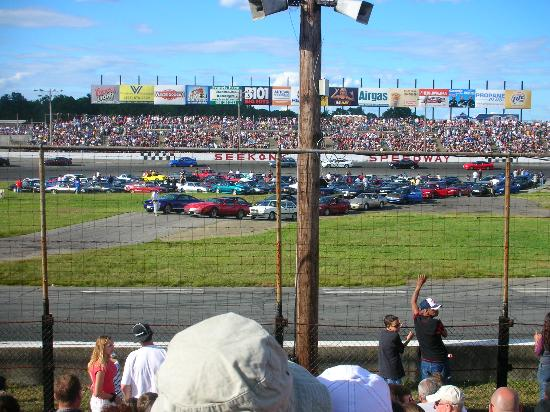 Seekonk, MA: The cars who are ready to drag race!