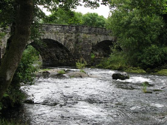 Skelwith Bridge Hotel: River across the road