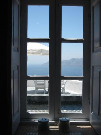Ikies - Traditional Houses: Loved soaking and looking out