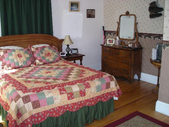 The Young House Bed and Breakfast: One of the guest rooms