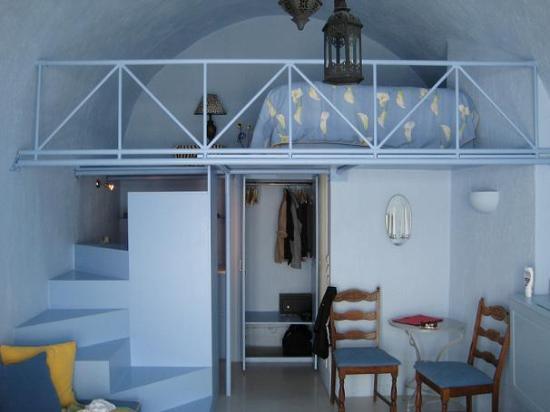 Chromata Hotel: Our room
