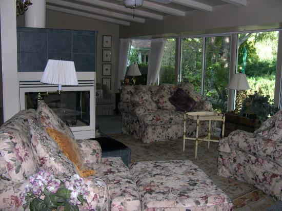 Joseph House Inn: Sitting Room