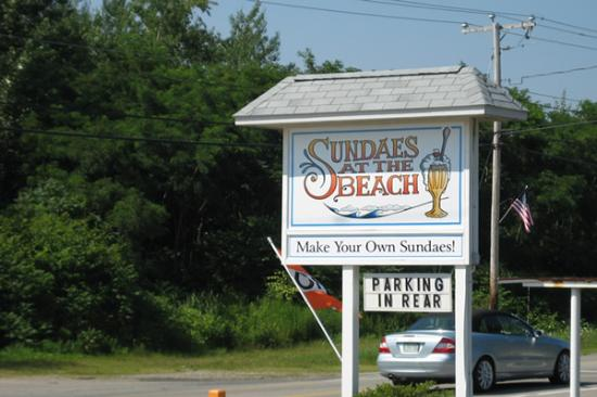 Sundaes at the Beach: road sign