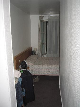 Hotel Le Compostelle Le Marai : from the room entrance