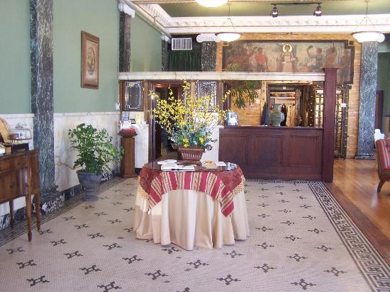 The Ramsdell Inn: The lobby