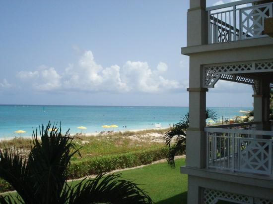 Alexandra Resort: Our 2nd floor Beachfront one-bedroom view