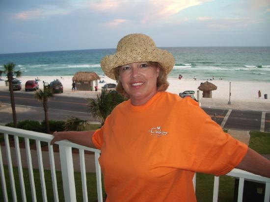 Majestic Sun at Seascape Resort: Taken from the balcony with the beautiful Destin Beach in the background