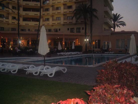 Royal Costa Hotel: Piscina
