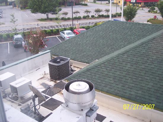 Hilton Garden Inn Chattanooga / Hamilton Place: This was our lovely view from the Hilton Garden Inn.  Thanks a lot, Paris!
