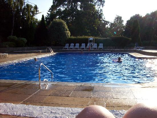 Macdonald Elmers Court Hotel & Resort: grabbing an outdoor English summer swim before dinner!
